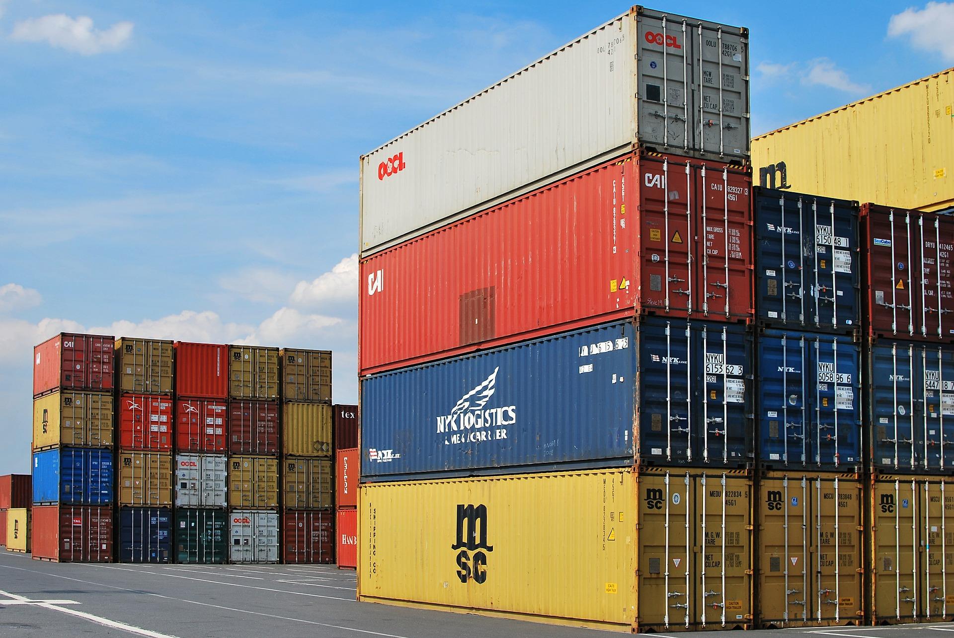 Waar moet je rekening met het importeren en exporteren van goederen?