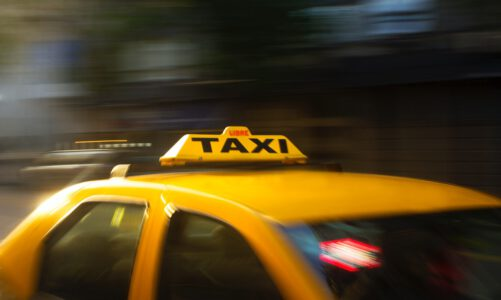 Op werkbezoek? Neem om deze 4 redenen een zakelijke taxi